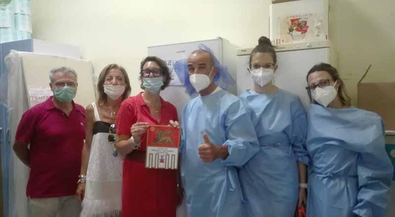 Un frigorifero al CRA di via Teresine:  il Rotary Cremasco San Marco risponde ad un'esigenza semplice ma concreta