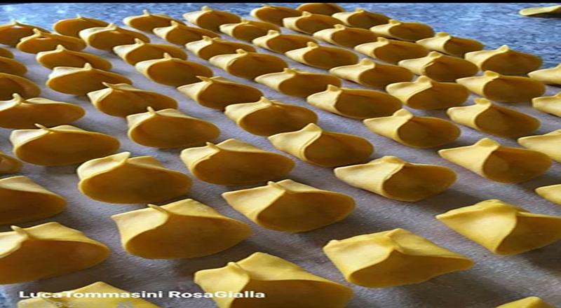 Clamoroso a Ripalta Cremasca: alla Trattoria La Rosa Gialla, i ravioli con ripieno di gamberi e burrata sono pure da asporto …