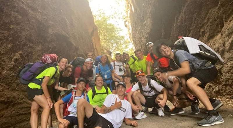 Chapeau al fantastico gruppo di Pianengo in viaggio, via ferrovia e a piedi attraverso la leggendaria via Francigena, per Roma