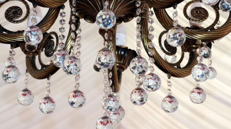 pulizia-lampadari-in-vetro
