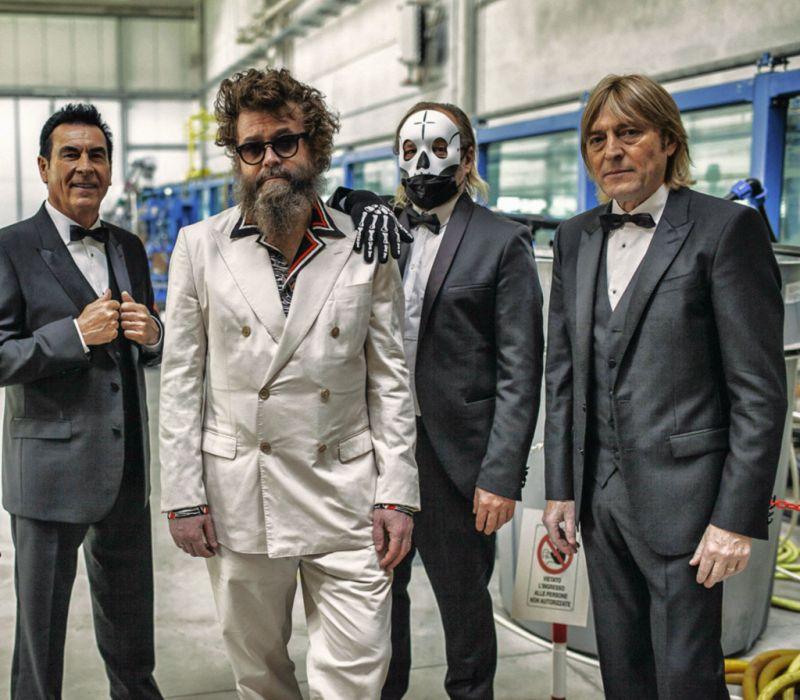 Extraliscio, Bianca luce nera è il brano in gara al 71° festival di Sanremo e il 5 marzo esce il disco