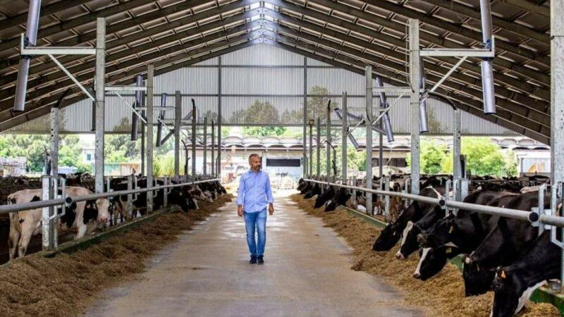 """Il circuito distretto enogastronomico (ma non solo) East Lombardy """"incorona"""" l'imprenditore agricolo Tommaso Carioni quale agricoltore moderno modello"""