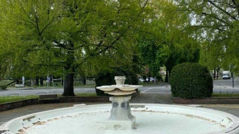 Antonio Agazzi, Mastino dell'Opposizione torna sul triste e noto affaire della Fontana di Crema che … c'è, ma non funziona e non si vede. Mah …