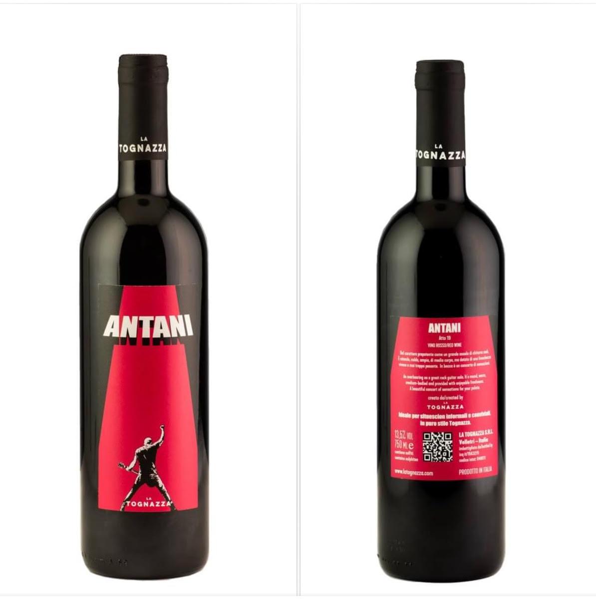 Pau il frontman dei Negrita autore delle nuove etichette dei vini La Tognazza (distribuiti dal Massimo Mascherpa) e protagonista di una mostra a Cremona