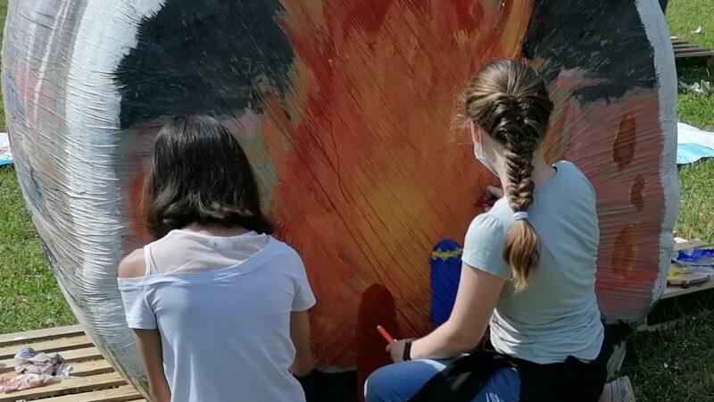 Dante e le rotoballe alla scuola media di Ombriano