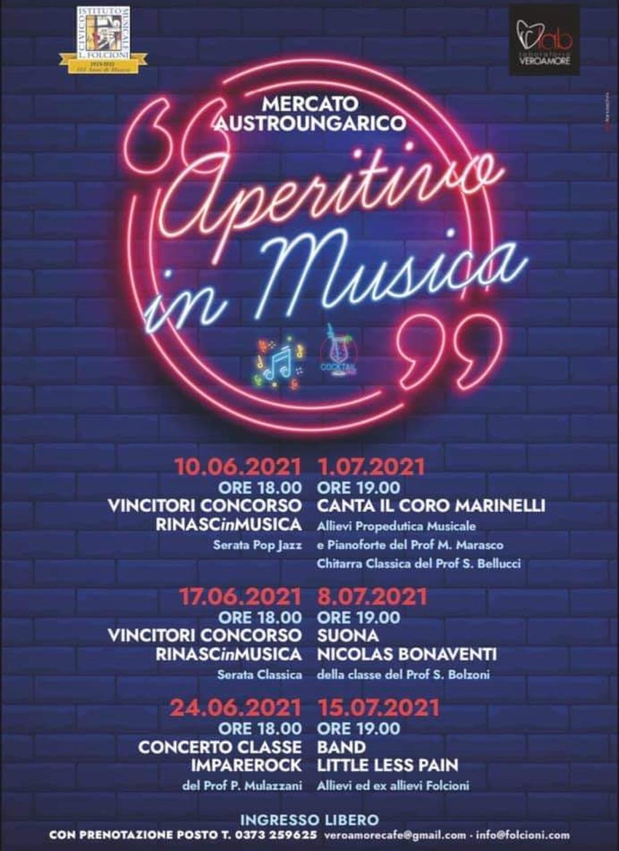 E con l'Aperitivo in Musica, una sinergia tra il Laboratorio Vero Amore e il Teatro San Domenico, il Mercato AustroUngarico vive