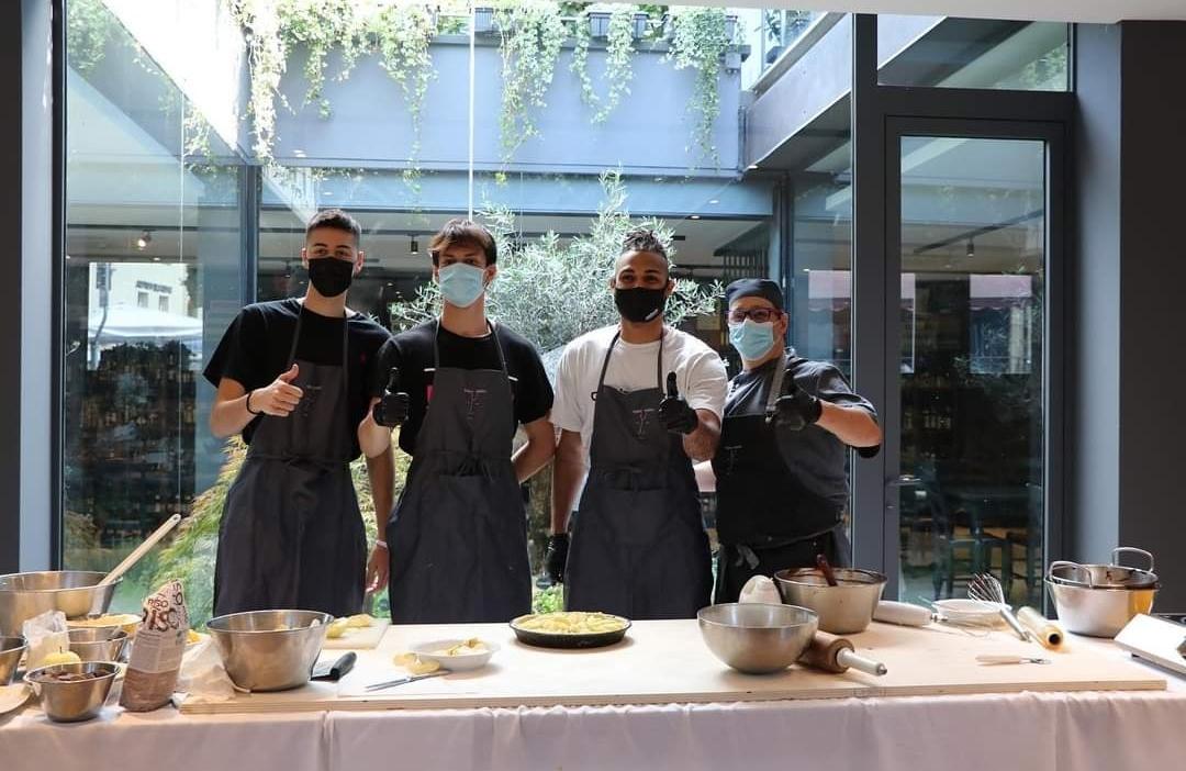 Avete già provato le atmosfere del ristorante Naso Rosso nella sua nuova versione e location a Crema? Un successo il progetto Cake Off!