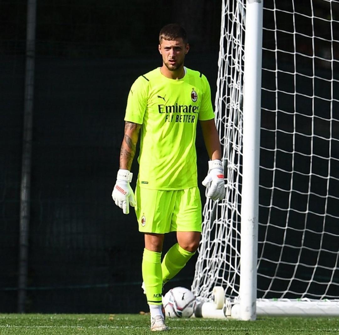 Il cremasco Alessandro Plizzari è rientrato al Milan. Sarà lui il terzo portiere rossonero? Sembra di sì, ma forse meriterebbe di giocare con maggior continuità
