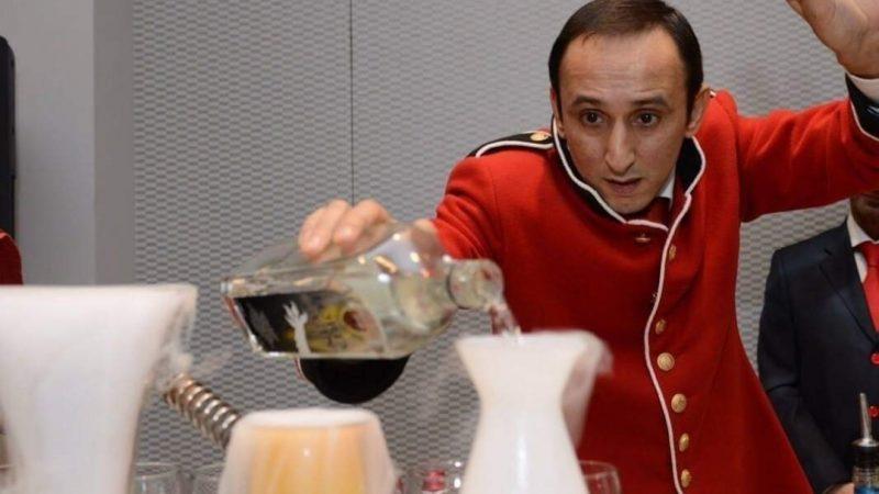 Clamoroso al Banco Bar dell'Artista del Bancone: cosa bolle nella pentola del Barman Marco Pistone?