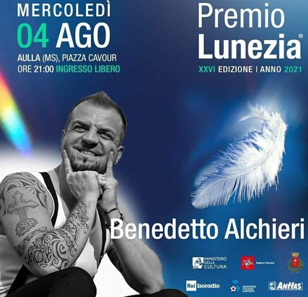 Chapeau al cantautore PopIndie Benedetto Alchieri, ospite del premio Lunezia mercoledì 4 agosto