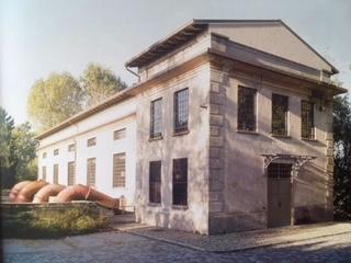 L'ArchiFilosofo Marco Ermentini giustamente ricorda il Restauro Timido di un prezioso scorcio cremasco e l'esteta Umberto Cabini lancia l'idea del Museo Icas