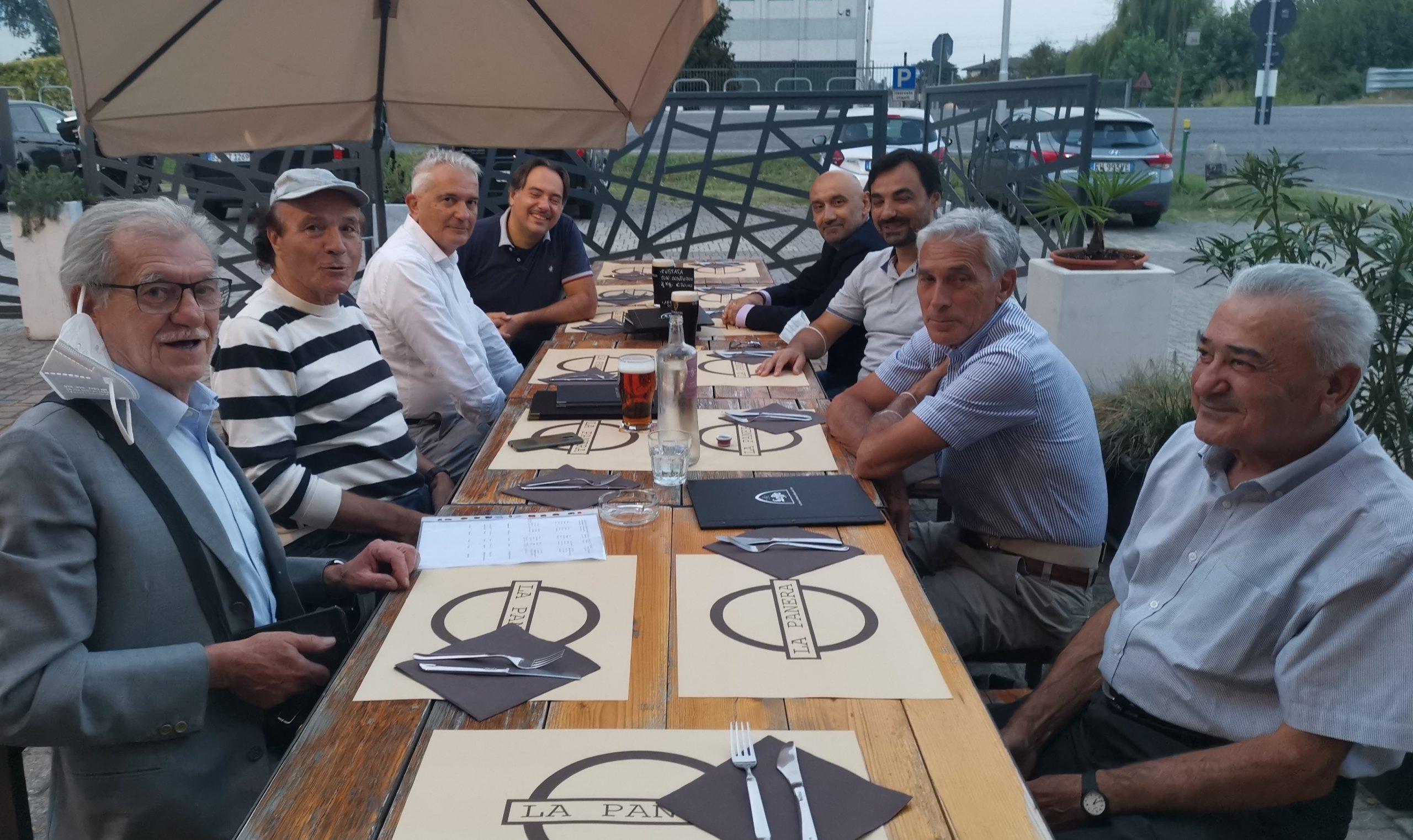 Sabato sera alla pizzeria Panera di Madignano, incontro di lavoro della comunità socialista