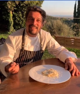 Lo Chef Giacomo Devoto ha apprezzato i Tortelli Cremaschi assaggiati grazie all'ambasciatrice Isabella Radaelli