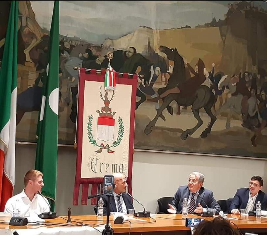 """Romano Prodi a Crema ospite di RinasciMenti: """"La politica e i partiti ripartano dal basso e tornino a dialogare con le persone"""""""